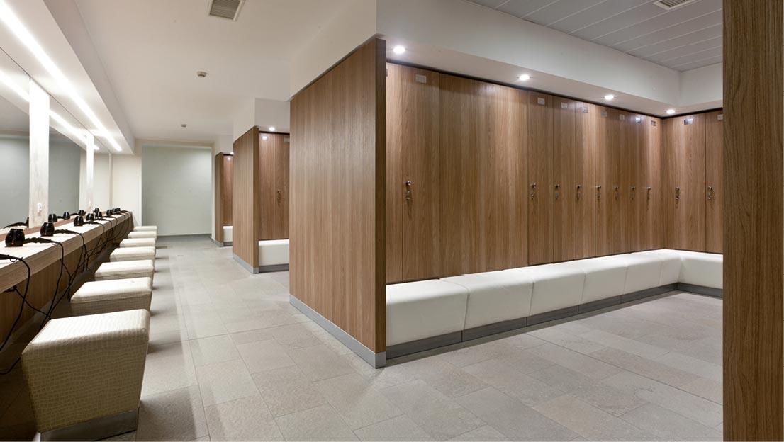 Fit interiors arredamento palestre spa piscine hotel for Casiers vestiaires piscine