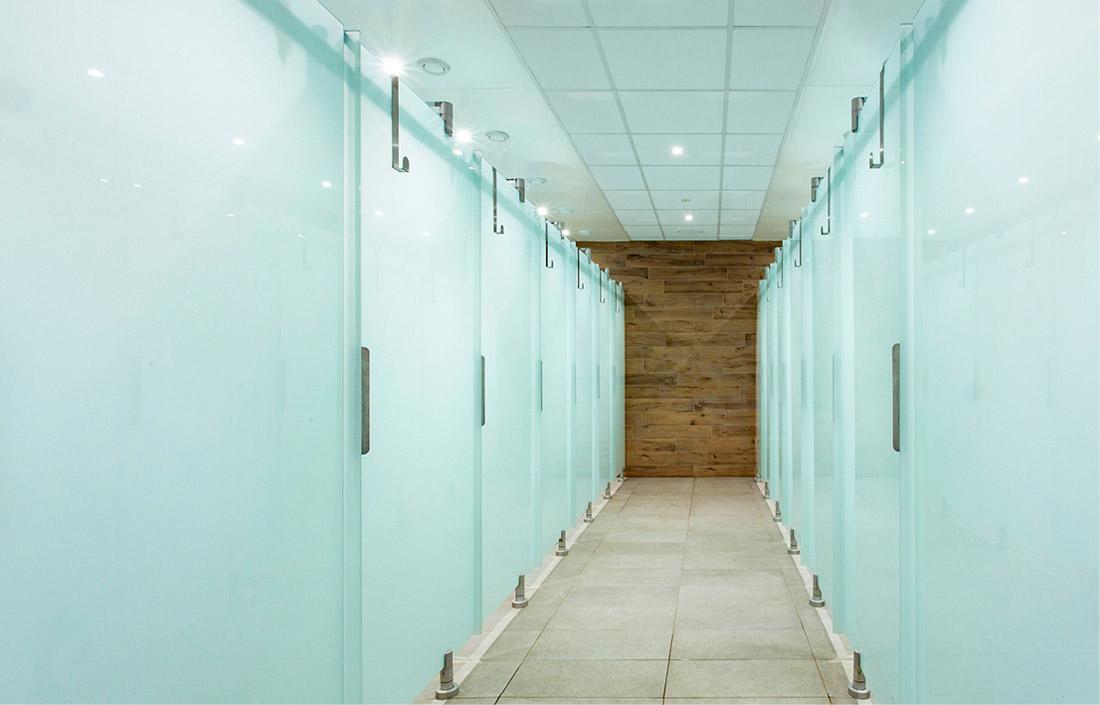Area Wellness, docce, toilet, arredamento area benessere, lettini, cabine doccia, cabine toilette, lavelli e rubinetti, mensole e specchi, mobili