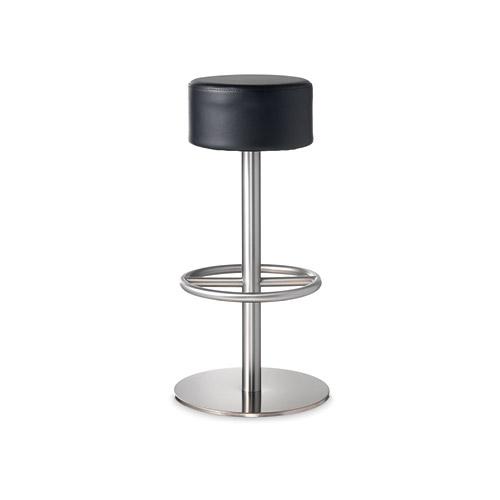 Sedie, tavoli e vasi